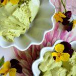 O książce,byciu pisarzem i o miłości…A na deser lody z awokado