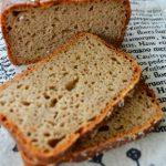 Prosty żytni chleb radzieckiego żołnierza. Styczniowy