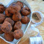 Przytulam siebie… Trufle z awokado i czekoladą
