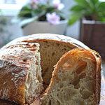 Chleb z mąką z płaskurki i dojrzałym pecorino. Wrześniowa Piekarnia