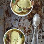 Cebula, kasztanowe piwo i ser smażony z kminkiem. Zupa jest dobra na wszystko!
