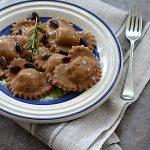 Kasztanowe ravioli z pistacjami i rozmarynem. O primitivo słów kilka. Pasta e Vino!