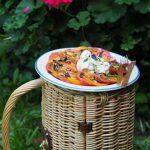 Pomidorowe love z burratą i ziołami. Tu i teraz