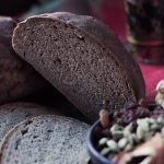 Pieczemy świąteczny chleb. Zaproszenie do grudniowej Piekarni!