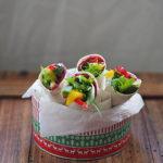 Warzywne wrapy i hummus z pieczonymi burakami. Poniedziałkowy detoks!