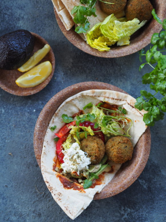 Falafel Pita I Harrisa Arabska Kanapka Numer Dwa Kuchennymi