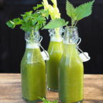 Zielone koktajle z pokrzywą.  Superfoods z łąki!