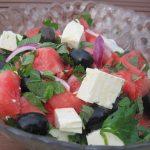 Sałatka z arbuza i fety. Lato w kuchni przez okrągły rok.