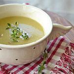 Topinambur, chrzan i kwitnący tymianek. Rozgrzewająca zupa na weekend