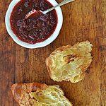 Konfitura z czerwonej porzeczki i francuskie śniadanie. Do lata, do lata…