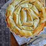 Spiralne ciasto z kozim serem, szpinakiem i miętą. W leniwym rytmie…