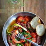 Ośmiornica duszona z pomidorami. Lato wszędzie!