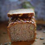 Chleb razowo-pytlowy na zakwasie z pestkami dyni. Październikowa Piekarnia !