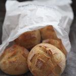 Bułki pszenne pieczone metodą solno- drożdżową. Lutowa Piekarnia