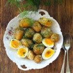 Młode ziemniaki z jajkiem, koprem i olejem konopnym. Wszystkiego zdrowego!