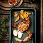 Pierś kurczaka wolno pieczona z domową mieszanką przypraw. Prosto i pysznie!