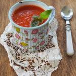Krem z pieczonych pomidorów z czosnkiem i karmelizowaną cebulą. Moje ulubione smaki!