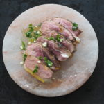 Pierś kaczki & salsa verde. Jak szybko i aromatycznie zamarynować mięso?