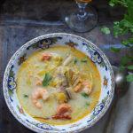 Zupa rybna z krewetkami, winem i ,mlekiem' kokosowym na początek roku
