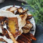 Warzywa korzeniowe i ser ,stopy boga' z piekarnika. Sezonowo od A do M