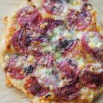 Pizza na lievito madre . Domowy dzień pizzy