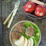 Kotleciki wołowe z jabłkiem. Letnie eksperymenty
