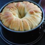 Wełniany chleb bułkowy w dwóch wersjach. Lipcowa Piekarnia